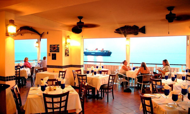 Guy Harvey S Restaurant Bar Grand Cayman Cayman Islands